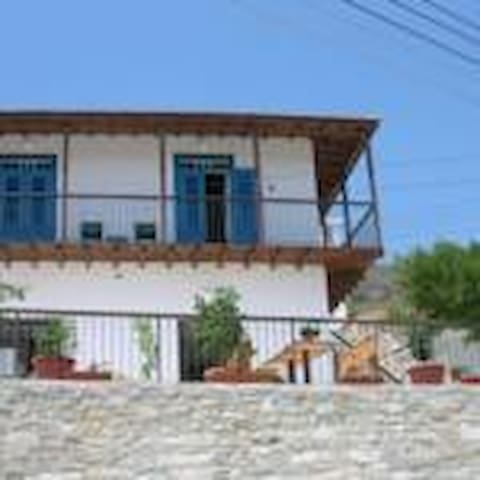 Agrotourism  renovated apartment - Kalavasos - Byt