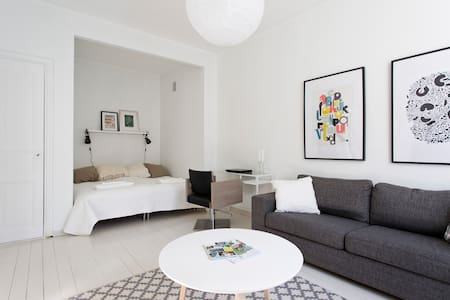 Stylish Studio near everything - Helsinque