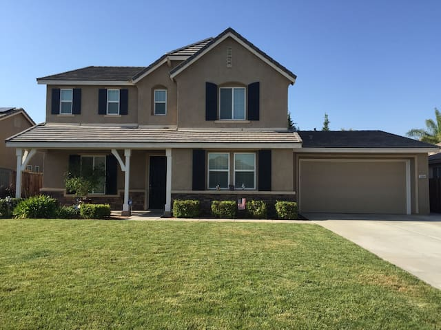 Beautiful Home in safe neighborhood - Bakersfield - Maison