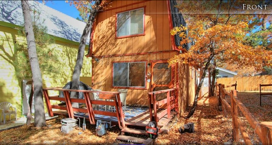 Big Bear Getaway Vacation (with WiFi, 2 TV) - Sugarloaf - Дом