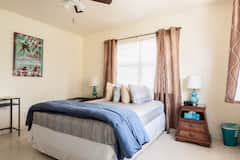 Private+Bdrm+%26+Bath+For+Two+Guests
