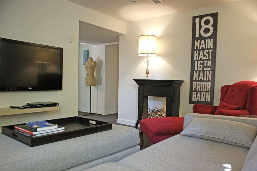 The suite is comfortably and eclectically decorated with both modern and vintage decor.