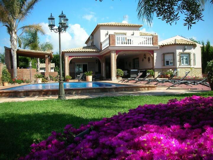 Villa Grand standing - piscine wifi