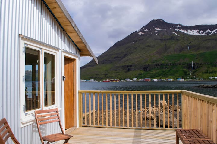 Báran, Studio by the sea - Seydisfjordur - Daire