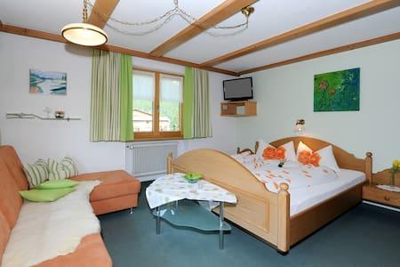 Doppelzimmer mit Balkon - 坳(Au) - 家庭式旅館