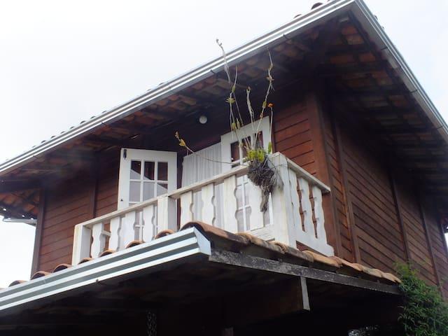 Casa de Hóspedes Pimenta Rosa Vale - Glaura - Houten huisje