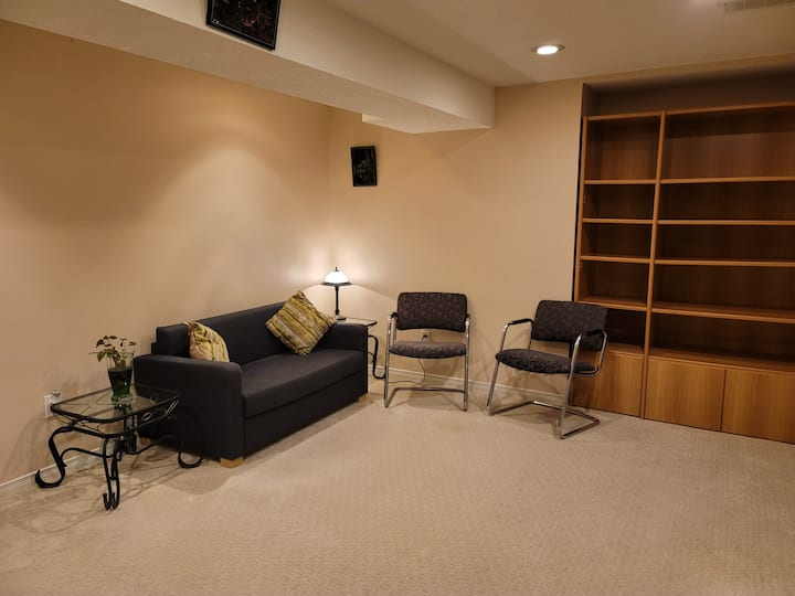 Comfy, Cosy,Fully Furnished Bsmnt Apt
