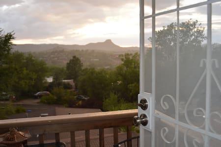 NEW MOUNTAIN VIEW CONDO (PRESCOTT) - Prescott