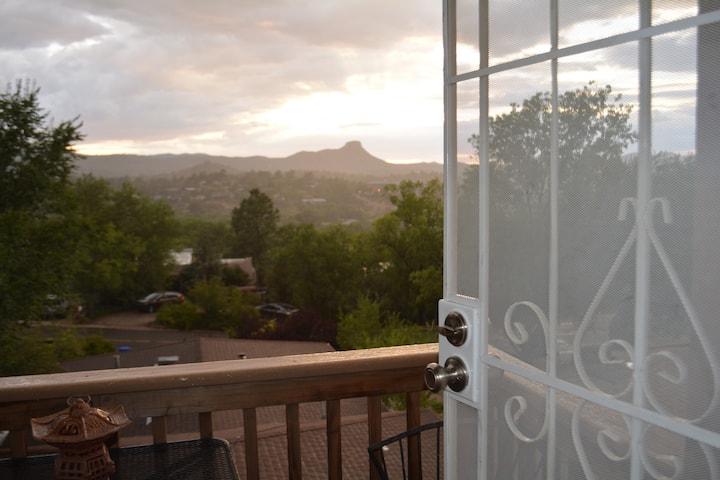 NEW MOUNTAIN VIEW CONDO (PRESCOTT)