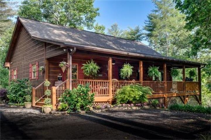 5 Bears Cabin        Rustic & Luxurious! - Murphy - Kulübe