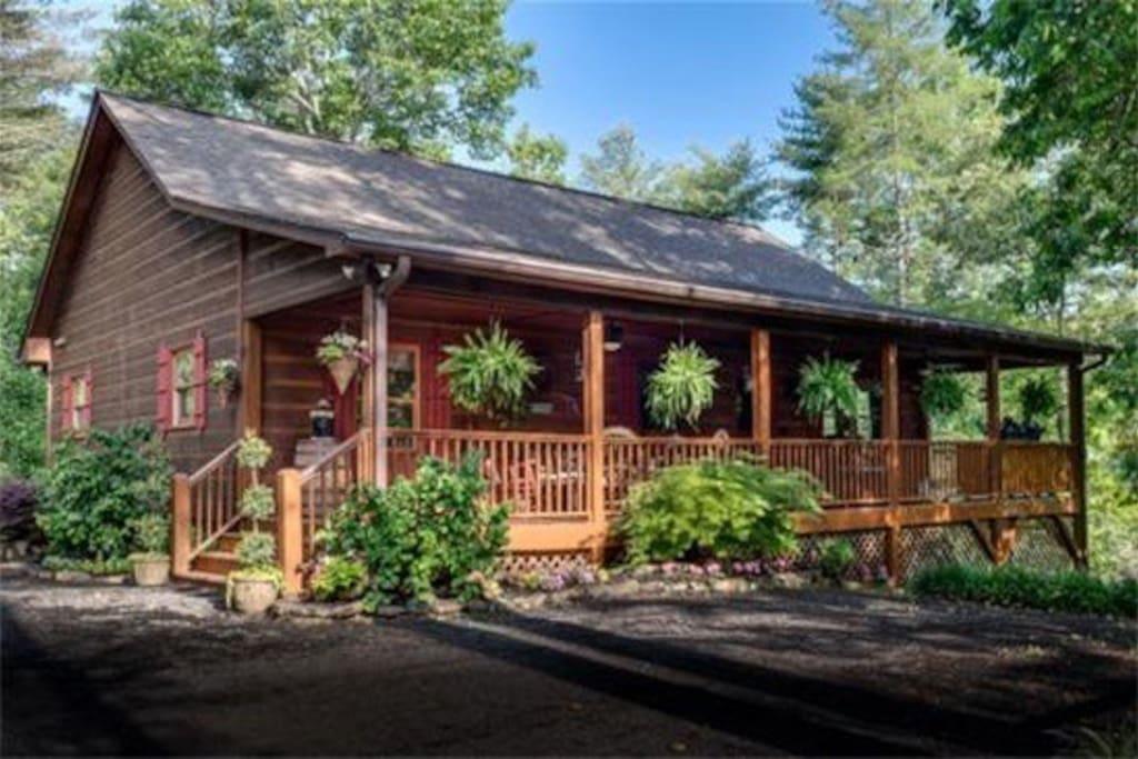 5 Bears Cabin Winter Wonderland Rustic Luxurious Cabins