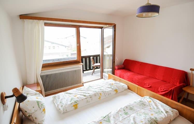 Nette Ferienwohnung inmitten Tirols - Stans - Pis