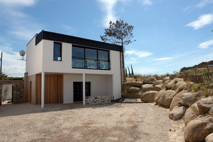 Belle villa vue mer avec spa - Cléder - House