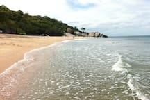 Sai Noi Beach