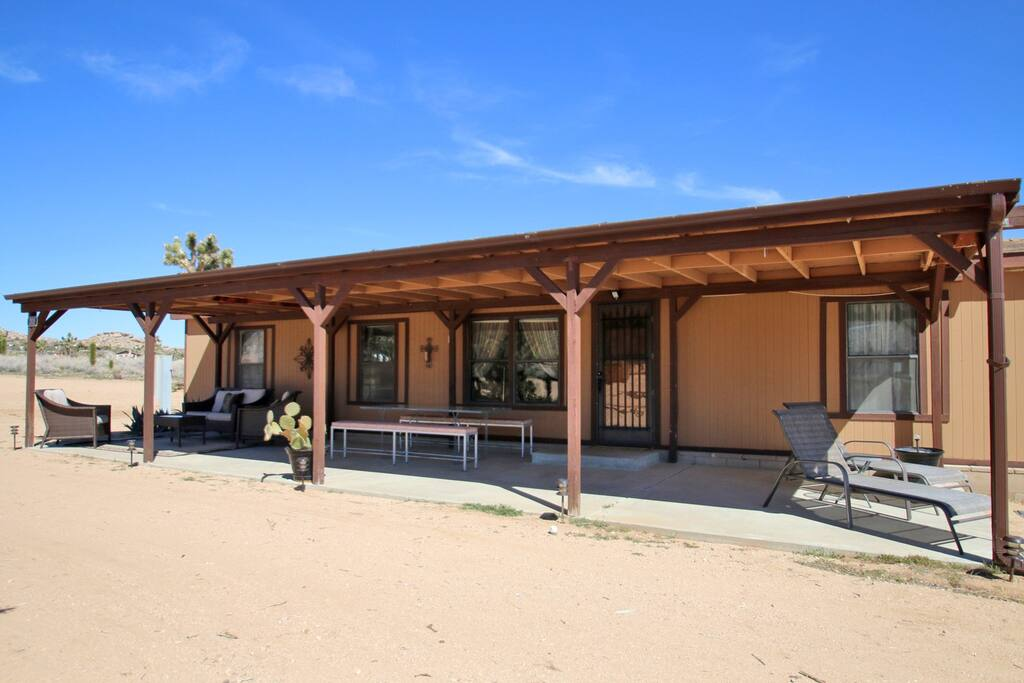 The Apache Place Houses For Rent In Pioneertown California United States