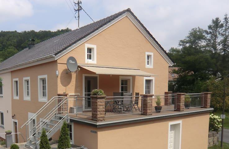 Ferienwohnung Enzen/Eifel/Bitburg - Enzen - อพาร์ทเมนท์