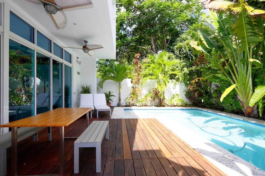 Modern big house 3 bdr w pool houses for rent in miami for Big houses in miami