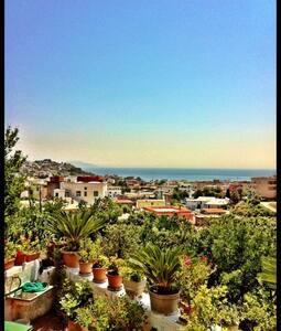 Quaint apartment / Stunning view - Monte di Procida - Apartamento