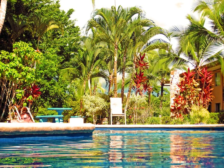 #108 - 2 Bedroom Condo+Secluded+Gorgeous+Relaxing
