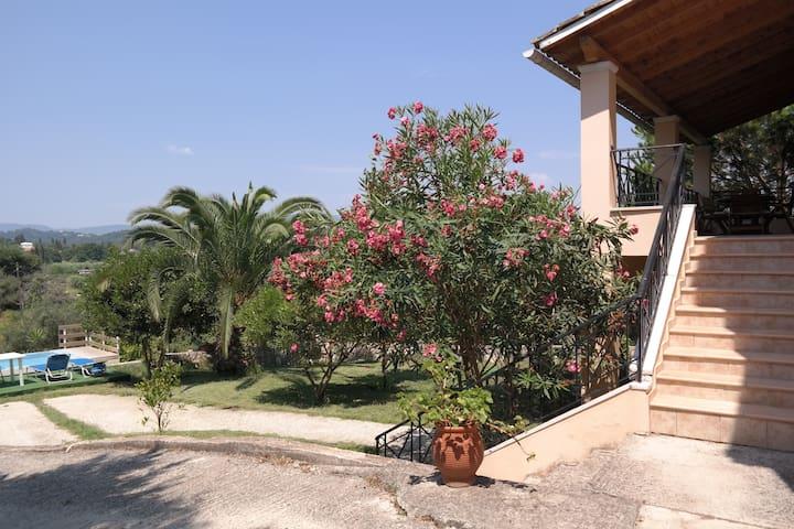 Casa Kastania- cozy villa near city - Kerkyra/Corfu - Villa
