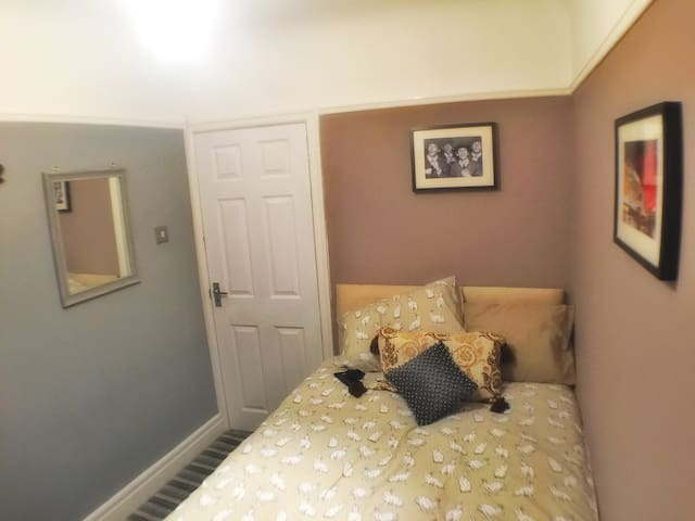 Cosy Single Room in Beautiful Liverpool Home - Liverpool