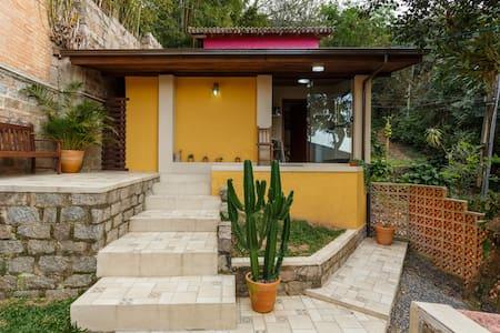 Plumeria Guesthouse - In Lagoa - Florianópolis - Casa