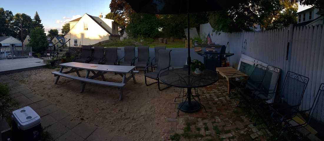 Backyard. NOTE: NO parties, NO BBQ and NO loud music allowed outdoors! Respect Neighbors.