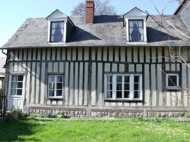 Traditional Normandy Cottage - Offranville