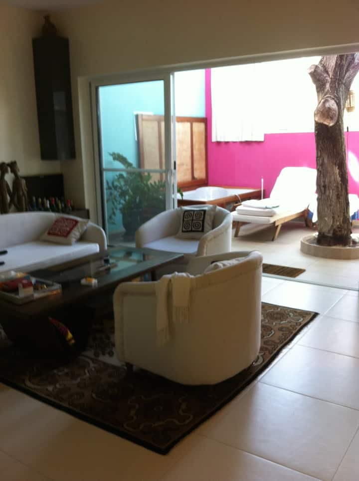 Fully equipped modern studio with terrace, Point E