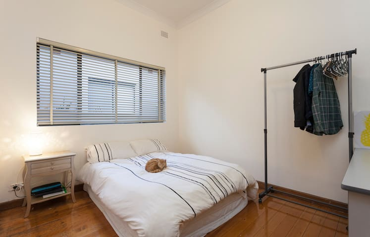 Friendly house in suburban Sydney - Belmore - บ้าน
