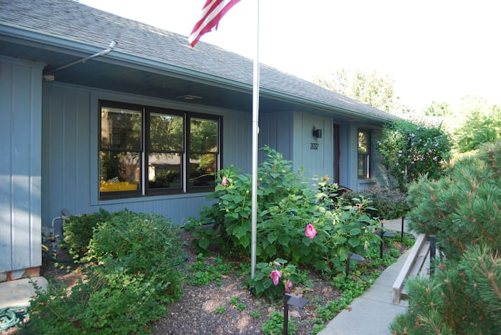 South Lincoln Contemporary Bungalow