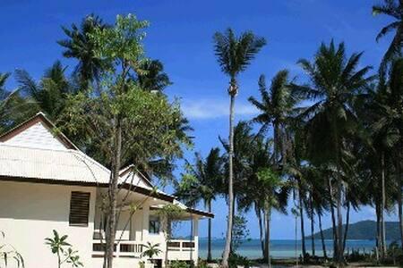 Jinta Beach bungalow 1 - Ko Samui