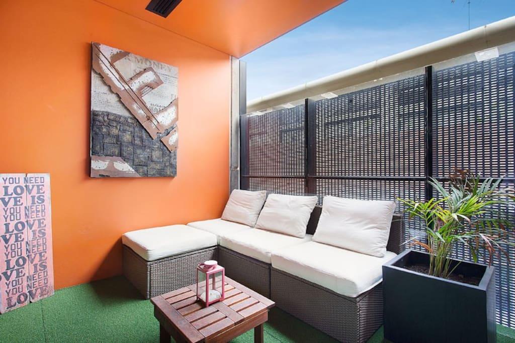 Slick New Apartment 1km from CBD