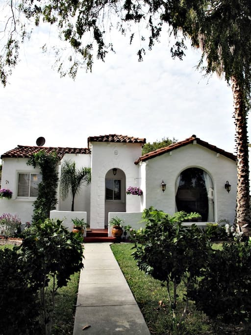 Little Hacienda Entry