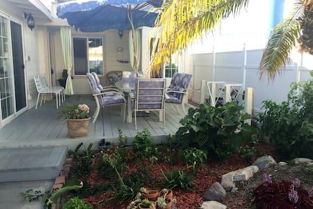 Cozy 2-BR Home in Newport Beach, CA - Newport Beach