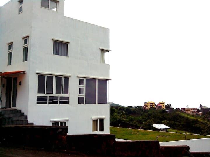 Cleeve Hills Tagaytay House