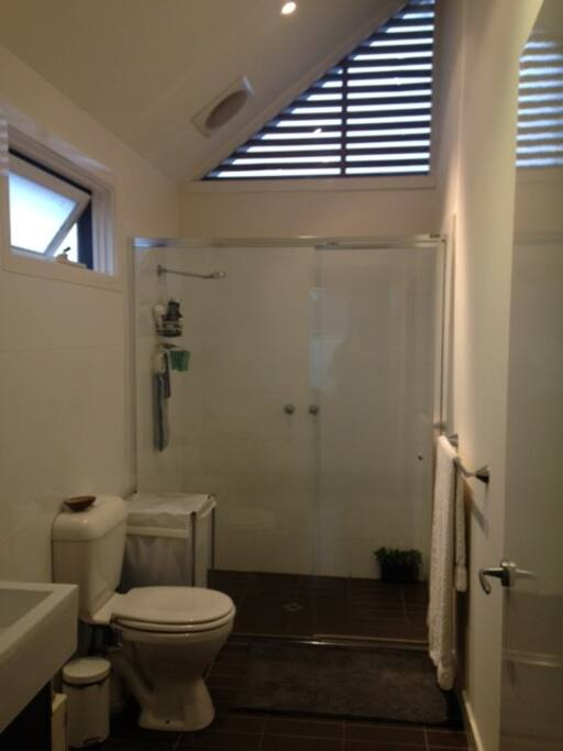 Large double ensuite, shower pressure is fantastic
