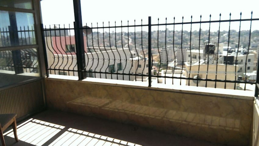 Amazing view  from mountain side - Ramallah - Apartament