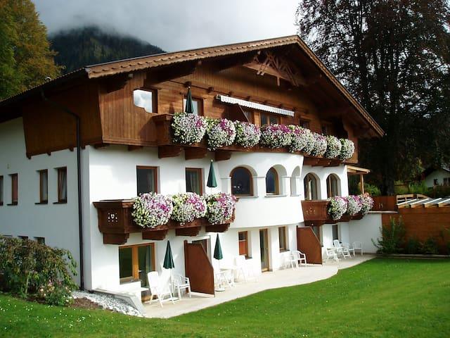 """kleines Landhaus Gerber"" Ehrwald - Ehrwald - Apartment"