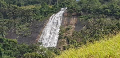 Sitio Cachoeira Alta sua casa no Espirito Santo