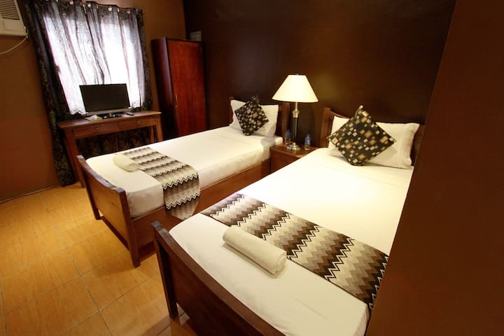 Twin Deluxe Suite - Dagupan - Bed & Breakfast
