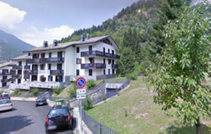 Bright, charming terrace apartment