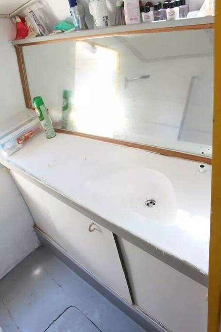 o banheiro Bathroom