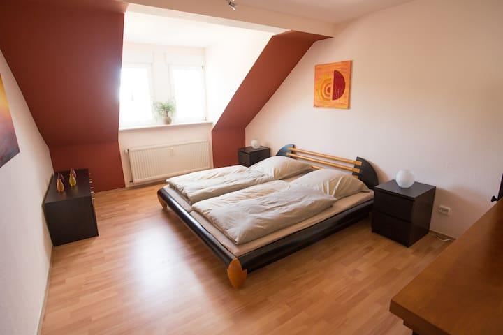 85qm Wohnung (mit 2 Schlafzimmern) - Seligenstadt - Huoneisto