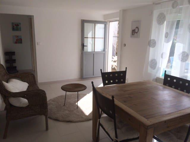 Appartement avec jardin 4 personnes - Longeville-sur-Mer - อพาร์ทเมนท์