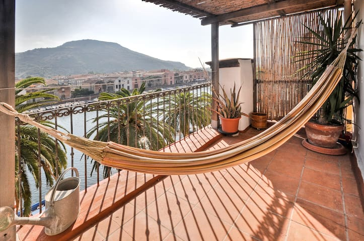 apart.terrace overlooking the river - Bosa - Apartemen
