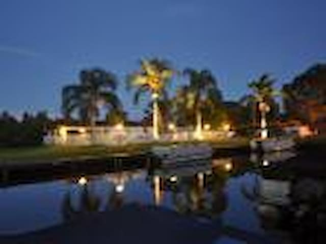 Lake Tarpon Condo -N of Clearwater - Palm Harbor - Appartement en résidence