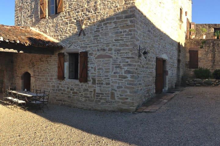 Elegant Suite in a Cordes Bastide - Tarn - Dom
