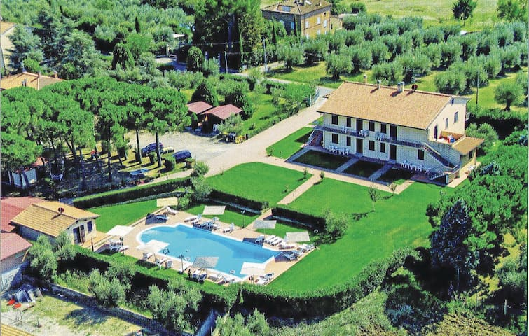 Holiday apartment with 2 bedrooms on 60m² in Castiglione del Lago