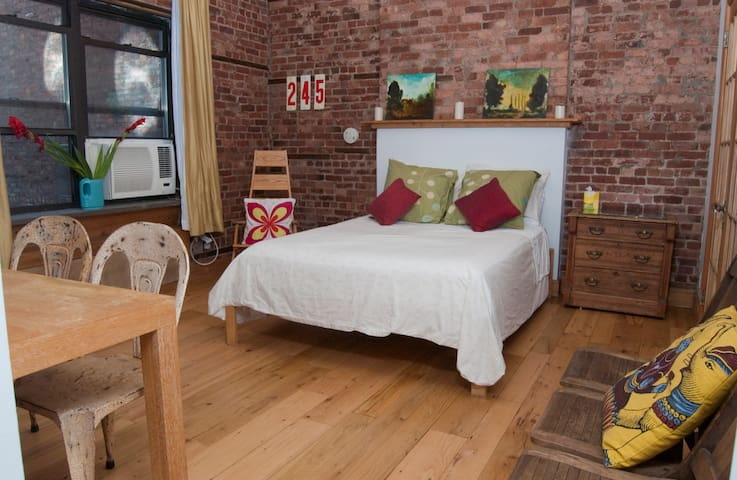 Private E. Village Townhouse Stay - Nueva York - Villa